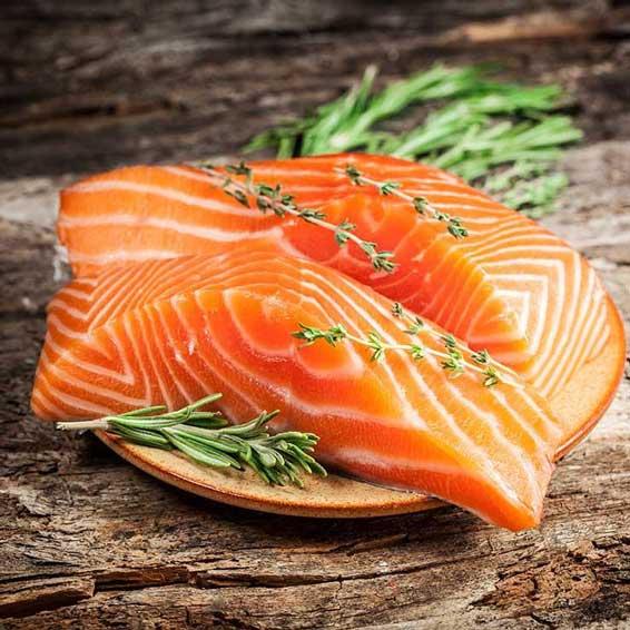 برای کاهش چربی خون ماهی سالمون بخورید